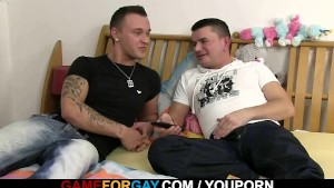 Stright delivery guy fucks gay customer
