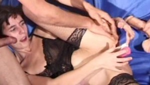 Amateur girlfriend double penetration with facial
