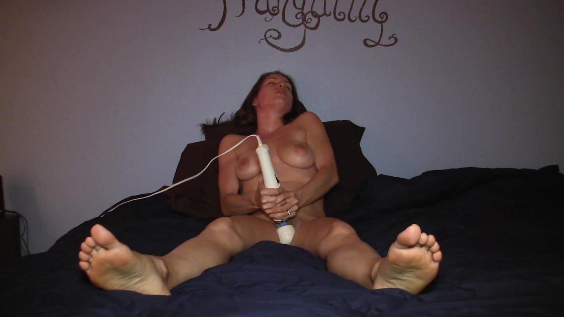 Смотреть мастурбацию женщин до оргазма 6 фотография