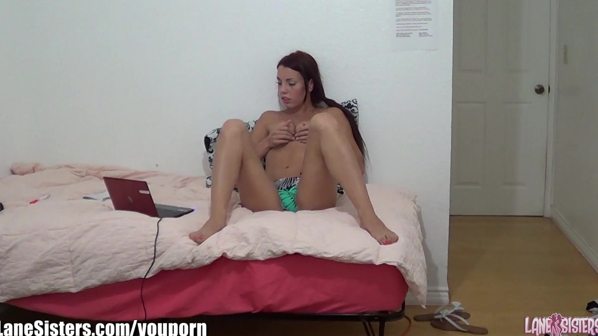 LaneSisters 18yo on hidden camera webcam dating