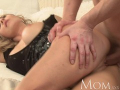 MOM Mature blonde loves oral sex