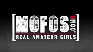 Mofos - Gamer girl Celina Santiago sucks dick
