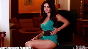 SunnyLeone Best Sunny Leone's video ever! So sexy!