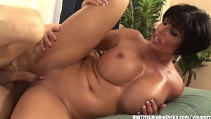 Shay Fox Shows Off Her Incredible Tits
