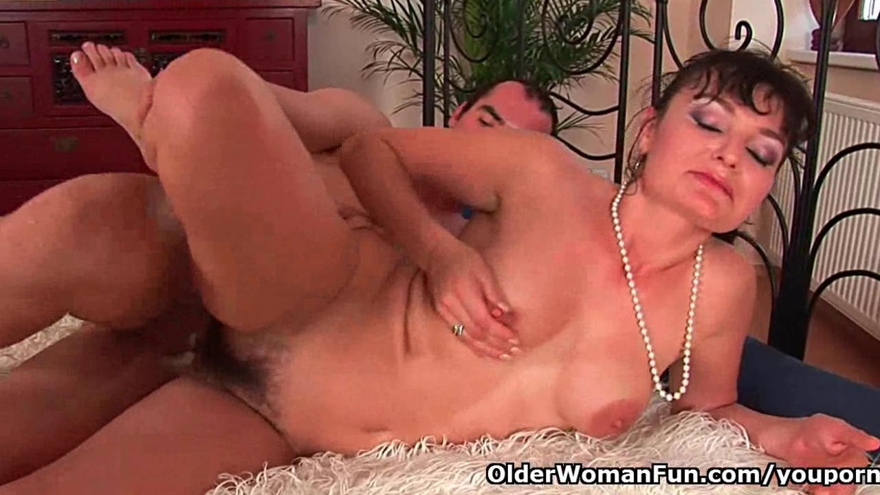 Hairy soccer mom unloads the neighbors dick