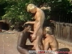 Outdoor Interracial Threeway and Voyeur - Classic 80s Gay Porn STUDENT BODIES