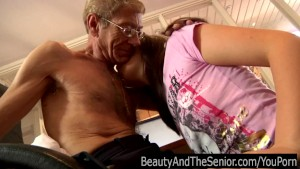 Teen cutie gets fucked by a senior
