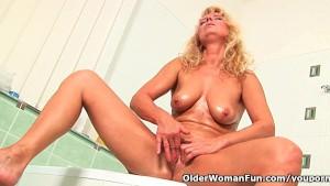 Granny in lust masturbates in bathroom