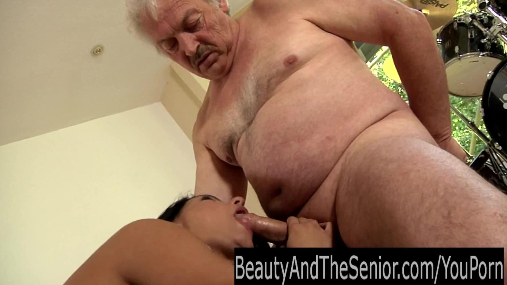 porno-stariki-izvrashentsi