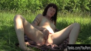 Tattooed Amateur Turqoise Masturbating Her Twat