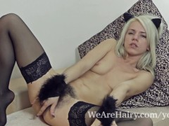 Movie:Stockings make hairy girl Sele...