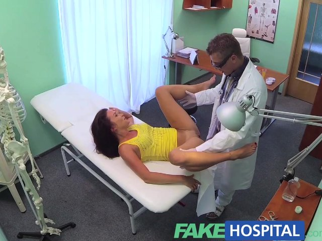 Fakehospital patient wants a sexual favour 6