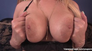 Mistress Vanessa tells you to jerk off and cum
