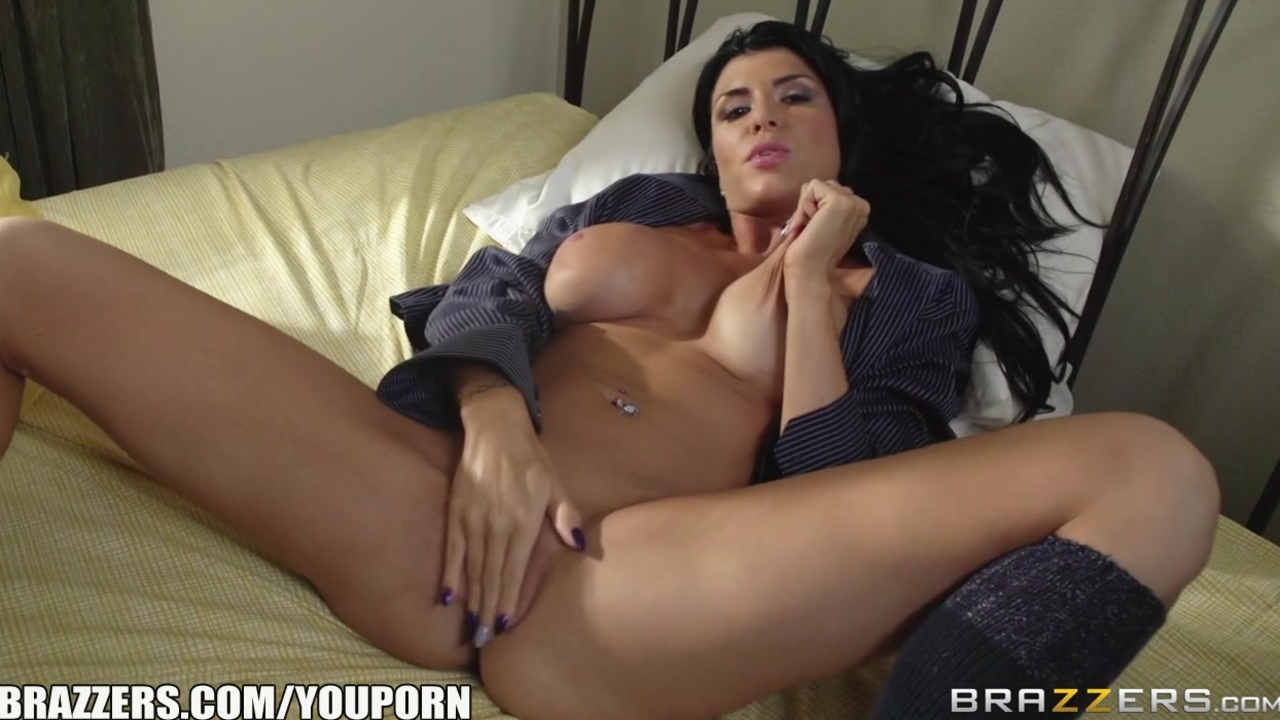 Brazzers - Romi Rains needs big dick