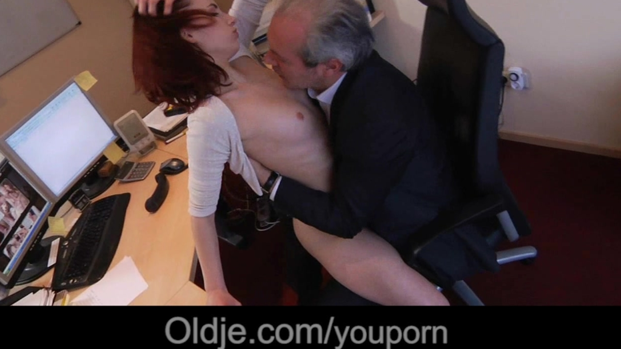 seks-video-direktor-i-sekretarsha