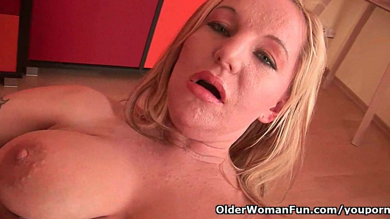 Moms big tits and wet pussy could use a little self loving