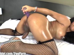 ShemaleIdol Asian T-Girl Fucks Herself in Ass