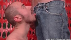 Nasty dude gives sloppy blowjob