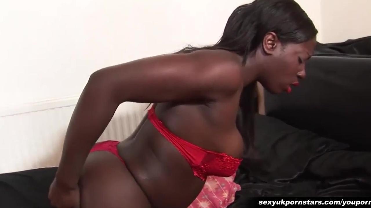 Ebony pussy play in stockings