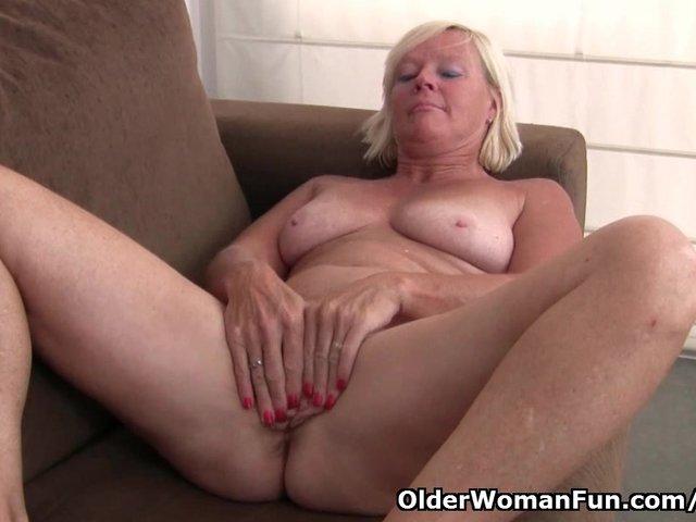Belgium grandma loves masturbating in pantyhose - 3 part 8