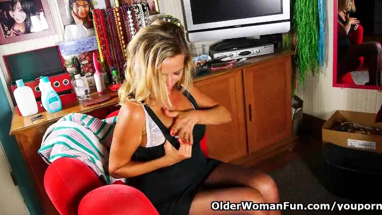 Mature mom needs masturbation for starters