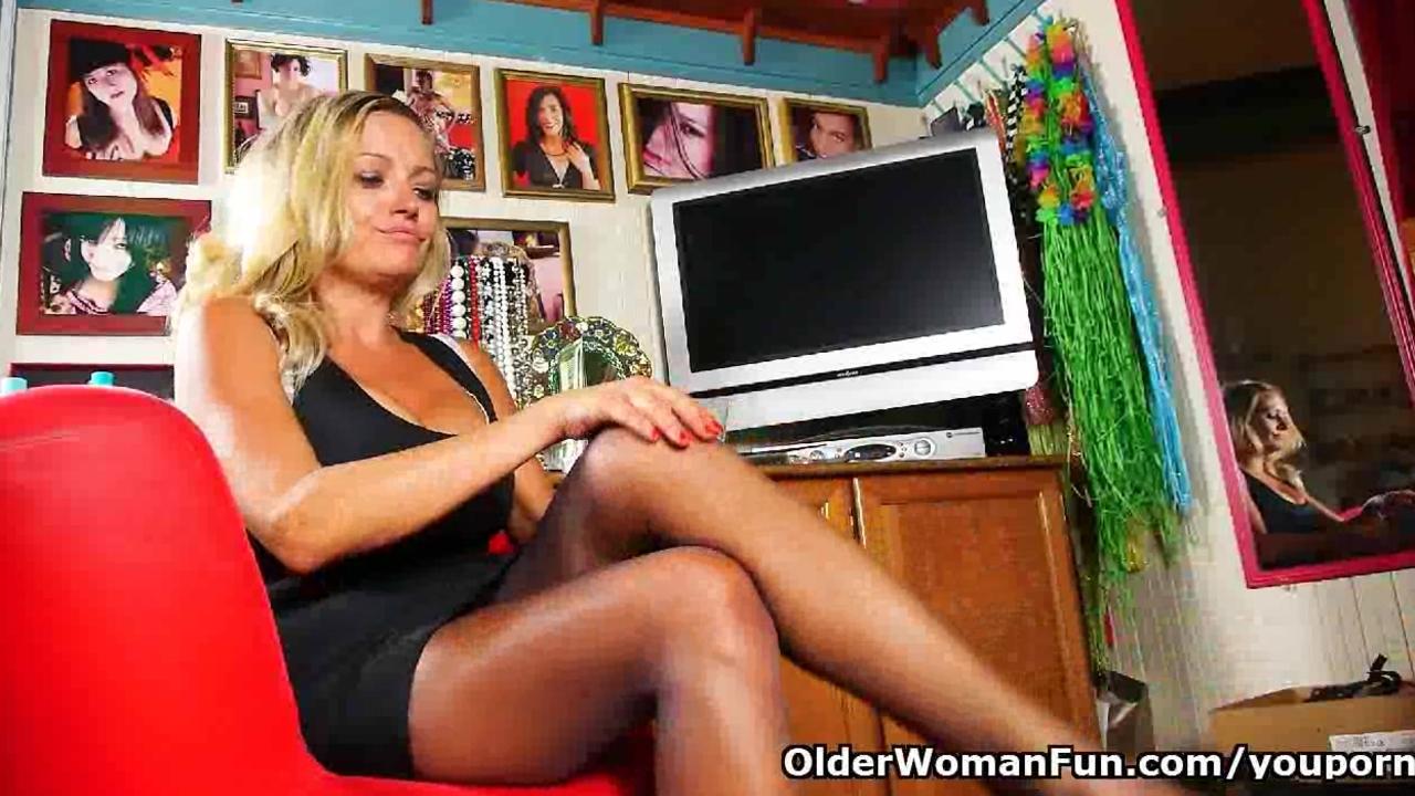 Mature mom needs masturbation for starters