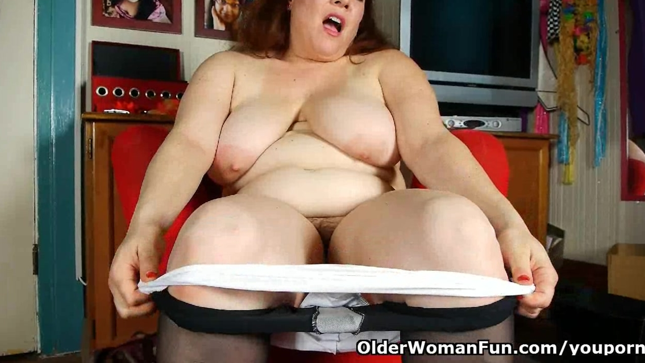 Black nylons give mom the highest level of horniness