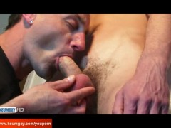 The worker guy get sucked his huge arab cock by a guy in spite of him !