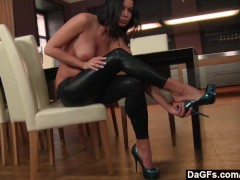 Picture Victoria Blaze stripping and masturbating in...