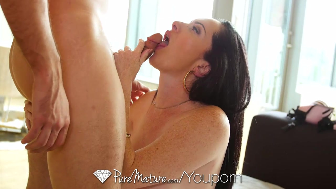 HD PureMature - Brunette milf Bella gets ready for man on Valentines Day