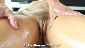 HD PornPros - Sexy brunette Adriana Chechik gets holes filled after massage