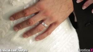 EroticaX Anikka Albrite's honeymoon porn video