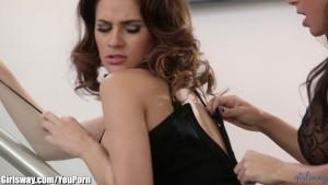 Girlsway Abigail Mac 's Lesbian Affair