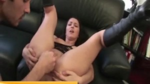 deep pussy fisting