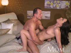 Picture MOM George uses old tricks to get his new mi...