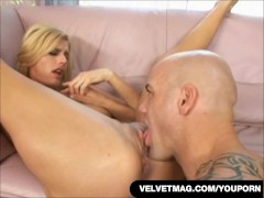 Horny Blonde Daryl Hannah Gets Her Tight Asshole Worked