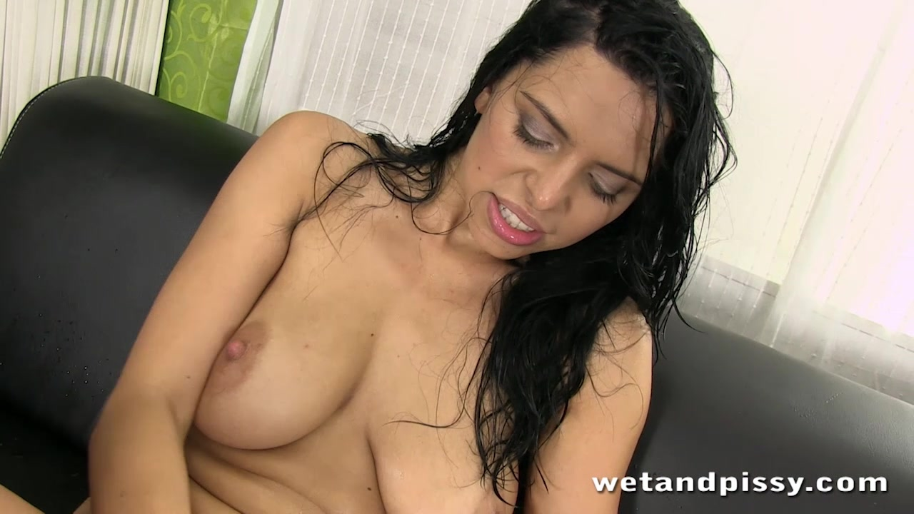 Busty Kira Queen pisses throug