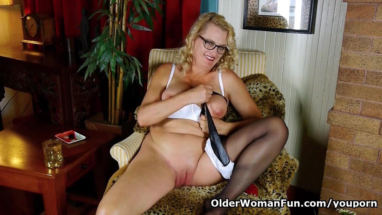 American granny Dalbin works h