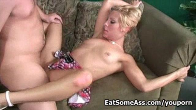 Amber Wild gets messy goo faci