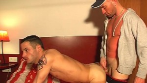 Room service guy gets fucked by a client for money !
