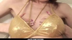 Rika Sakurai Asian milf enjoys cock in her mouth
