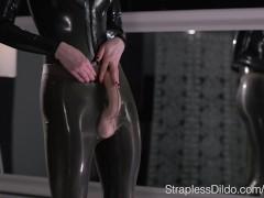 Maria Pie in Latex Strapon Cums