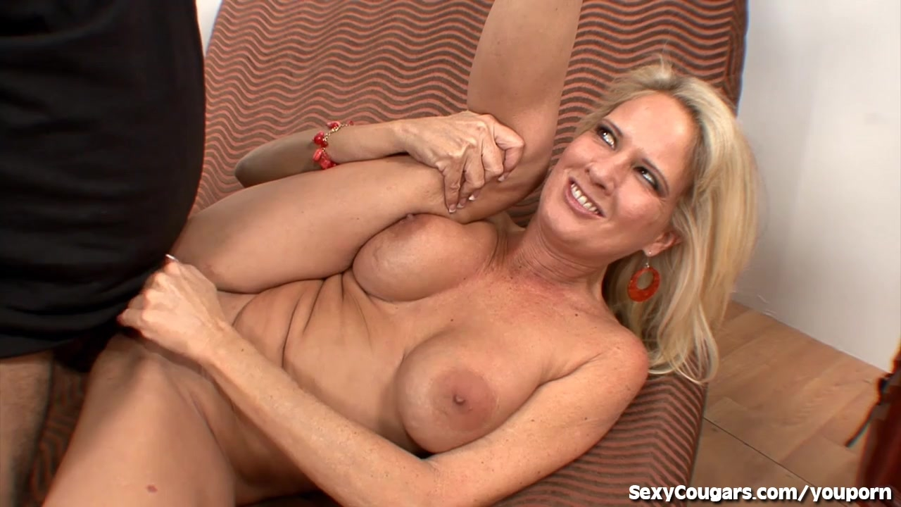 Hot MILF Gets Fucked By Ron Je