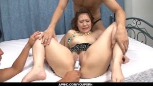 Ai Yuumi amazing threesome to smash her holes
