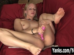 Picture Blonde Heather Toying Her Pussy