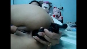 Thai Girl toying and fingering her ass and pussy asianvideosx.com Asian