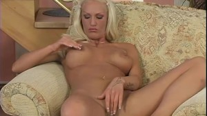 Dick-Sharing Blondes - Critical X