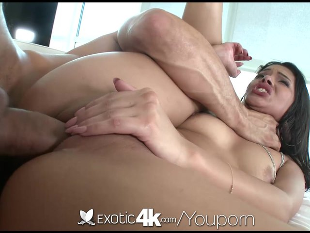 Sexy ebony Josie Jagger has sex moves like Jagger