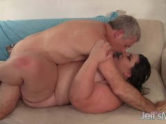 Picture Fat whore Bella Bendz gets her pussy pounded...