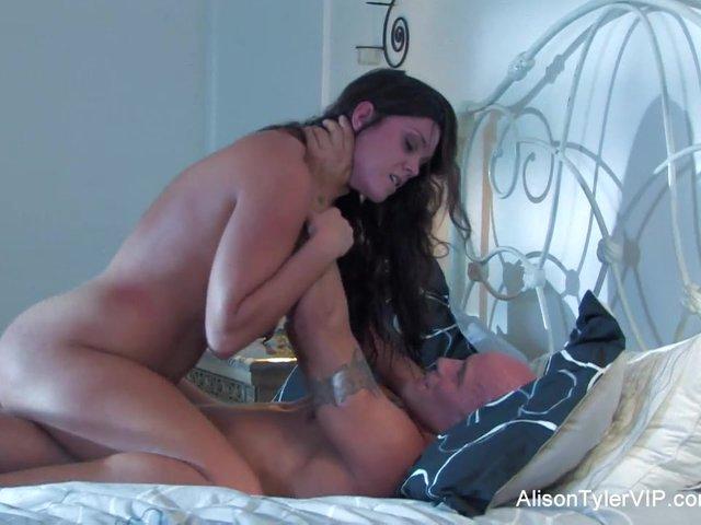 slutty cougar wants it in her ass